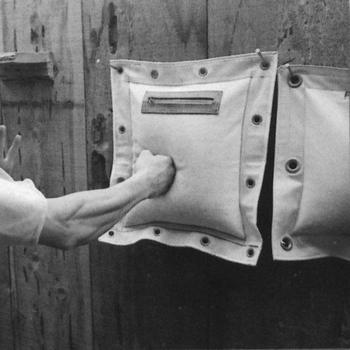 PU ściany cios boks worki treningowe Pad podkładka do uderzania Wing Chun boks walki Taekowndo torba treningowa worek z piaskiem sprzęt do ćwiczeń tanie i dobre opinie CN (pochodzenie) Kategoria worka z piaskiem 8 lat Boxing Wall Hanging Target Punching Bag Kung Fu Training Sandbag
