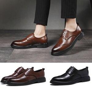 Image 1 - Hommes en cuir microfibre faits à la main Oxfords à lacets 2019 sculpté hommes daffaires chaussures formelles, hommes chaussures habillées