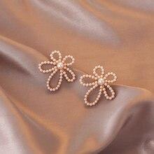 Модные геометрические серьги гвоздики с жемчугом и цветами милые