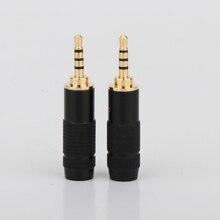 Saldatura delladattatore per auricolari in metallo placcato oro a 4 poli con connettore Audio Hifi da 2.5mm di alta qualità