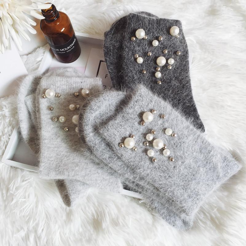 Arrive Popular Autumn Winter High Quality Handmade Shining Nail Pearl Ladies Wool Socks 10 Color Calcetines Mujer BAC276