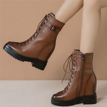 Кроссовки женские из коровьей кожи на шнуровке высокий каблук