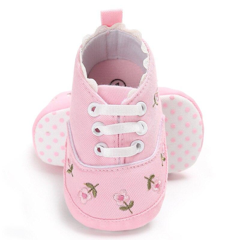 0-18 mois premiers marcheurs enfant en bas âge bébé fille Floral brodé chaussures souples pour nouveau-né chaussures de marche 5