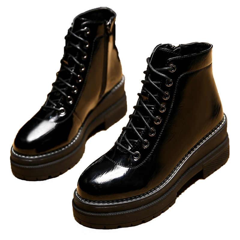 ของแท้หนังรองเท้าผู้หญิง Martin BOOTS แพลตฟอร์มผู้หญิงฤดูใบไม้ร่วงฤดูหนาวสีดำรถจักรยานยนต์รองเท้ากันน้ำหนาส้นรองเท้าผู้หญิง