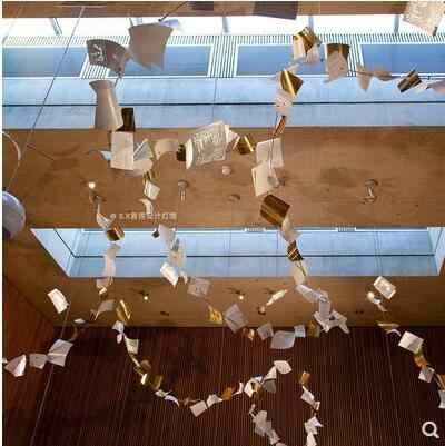 ショップ装飾壁掛け店のウィンドウ書店ライブラリ美術展壁掛け悩む博物館シャンデリア led ホールテキスト engravi