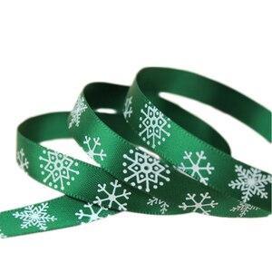 "Image 2 - 3/8 ""(10Mm) Rood Gedrukt Sneeuwvlok Satijn Lint Christmas Gift Linten"