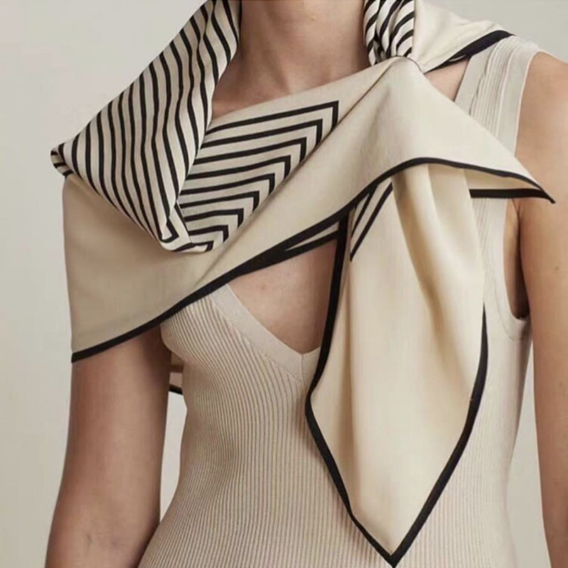 Women Fashion Casual Sunscreen Geometric Stripe Pattern Large Square   Scarf   All-match   Scarf   Black And White Wave Point   Wrap