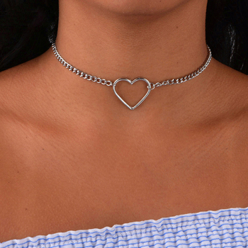 цена на Hollow Heart Choker Necklaces For Women Wholesale Statement Necklace  Heart Dainty Pendant Necklace Gift Dropshipping