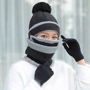 Image 5 - CHAOZHU 4 Pezzi di Inverno Tenere Al Caldo Set di Guanti Maschera Cappello Sciarpa Pompon Cap Regalo Delle Donne Imposta Addensare Neve Giornata Fredda E Resistente Al Vento
