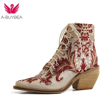 Autumn New Retro Women Square Heel Embroidery Suede Boots Lace-Up Boots Pointed Toe Shoes Square Heel Shoes Ankle Boots цена и фото