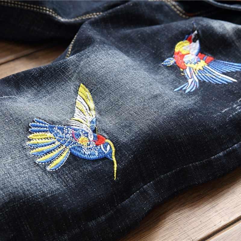 ブランド新メンズスリムフィットスキニージーンズヴィンテージフローラル刺繍カジュアルパンツビッグサイズストリートバイカーデニムジーンズ鉛筆のズボン