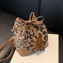 Serpentine Shoulder Bags for Women Fashion Designer Crossbody Bag Ladies Drawstring Bucket Bag Female Brand Handbags Sac 2021