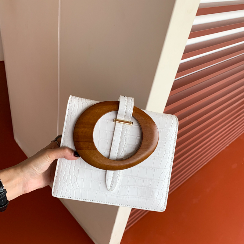 2020 High Quality Luxury Spring Summer Fashion New Temperament Round Wood Handle Flap Handbag Lady All Match Bag W001
