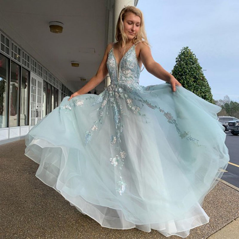Vestidos De Gala 2020 Light Blue Prom Dress With Beading Appliques Tulle Crystals Evening Gown Sexy A Line Graduation Dress