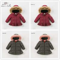 Dave bella del bambino di inverno delle ragazze giù giacca bambini 90% giù capretti del cappotto imbottito con cappuccio della tuta sportiva con grande pelliccia
