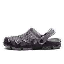 Men Sandals 2019 Crok Adulto Clogs Crocse Crocks shoes EVA Sandalias Summer Beach Shoes Slippers Cho