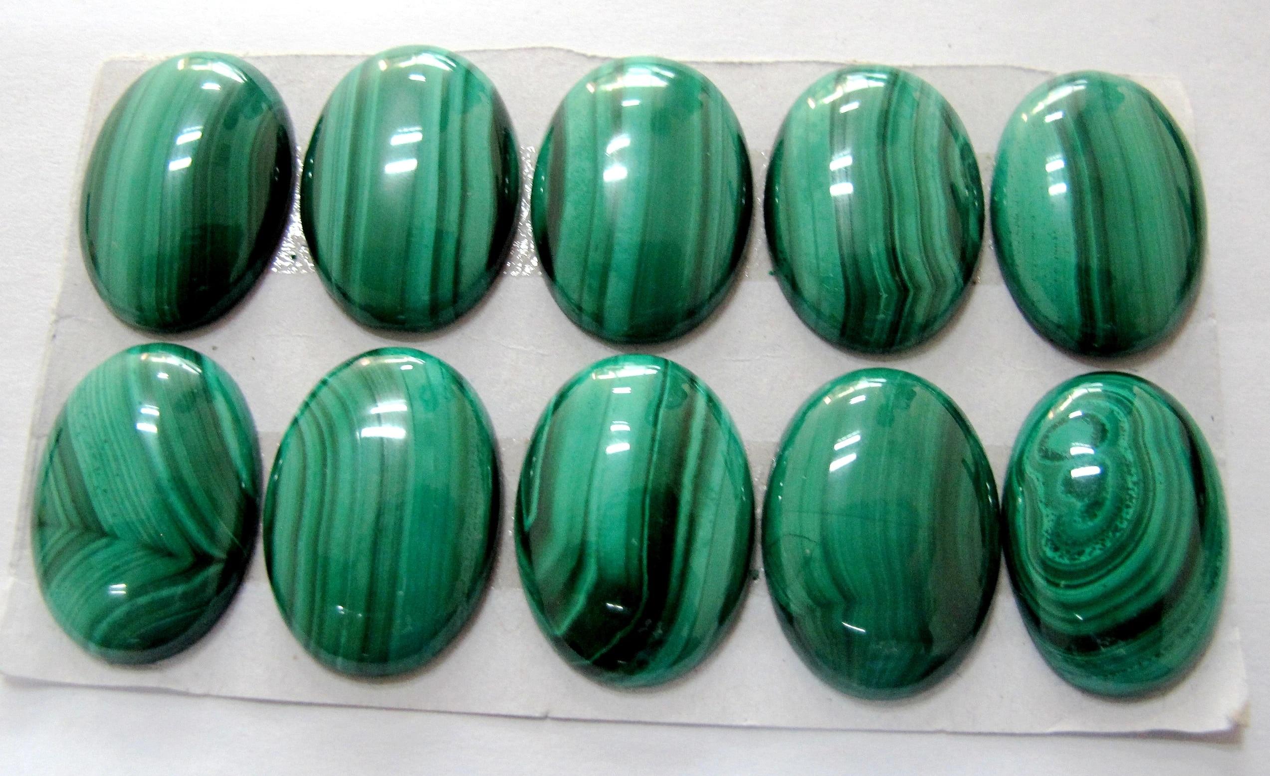 a string of 50 pcs beads stone malachite round 8mm