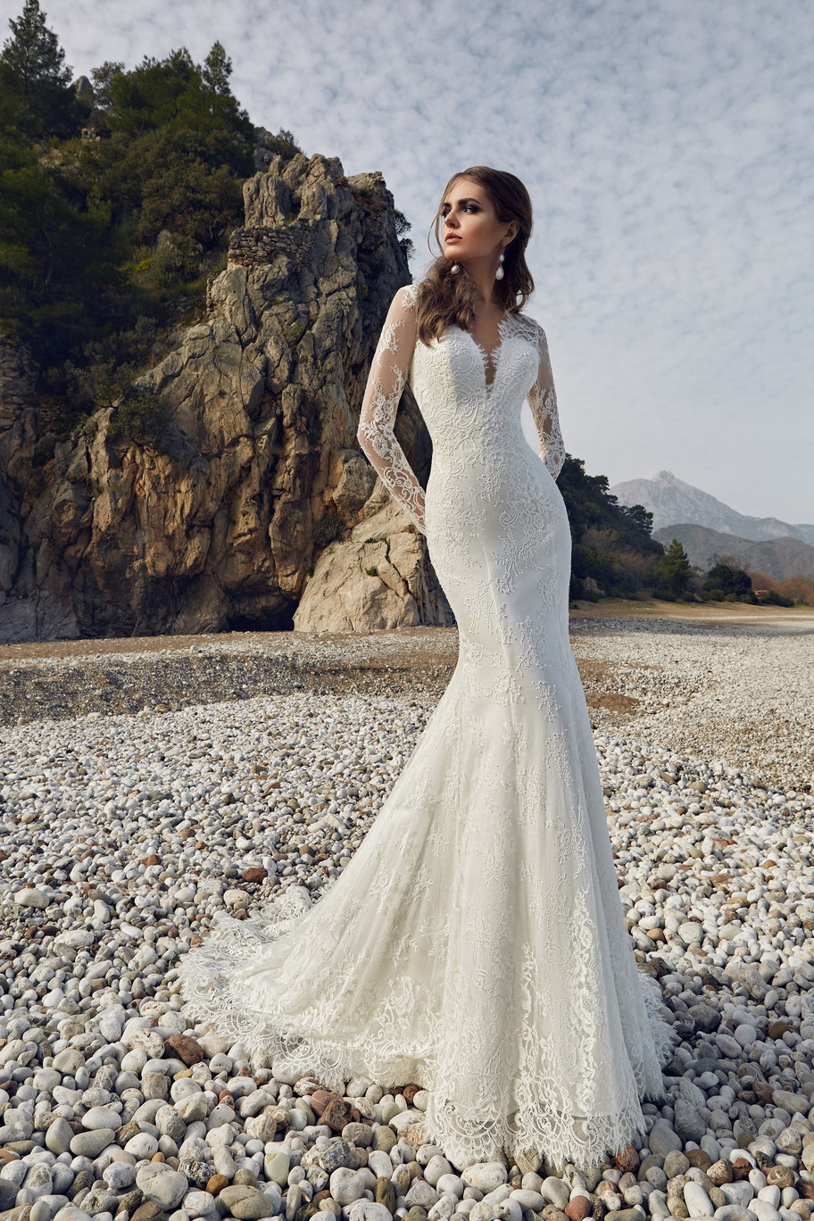 Modest Slim Waist Mermaid Wedding Dresses Full Lace Long Sleeves Open Backless Bridal Gowns Customized Robe De Mariee Plus Size