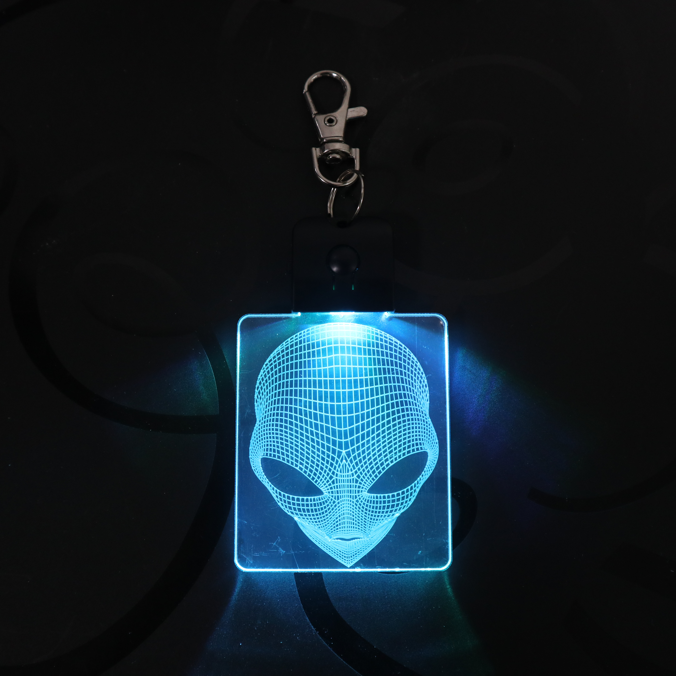 Alien Head Keychain 3D LED Arylic Night Light Magical Decor Lamp Lighting Colors Decoration Gift Dropshipping