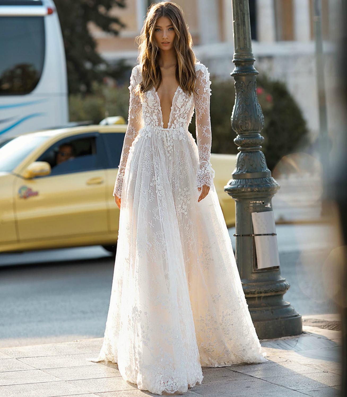 New Fabulous Long Sleeves Wedding Dress 2021 V-neck Court Train Appliques Lace Tulle A-Line Bride Gowns Vestidos