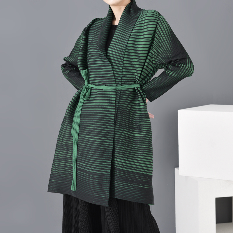 LANMREM 2020 New Scarf Collar Batwing Styles Sleeves Pleated Green Color Vintage Elastic High Waist Windbreaker PC78906