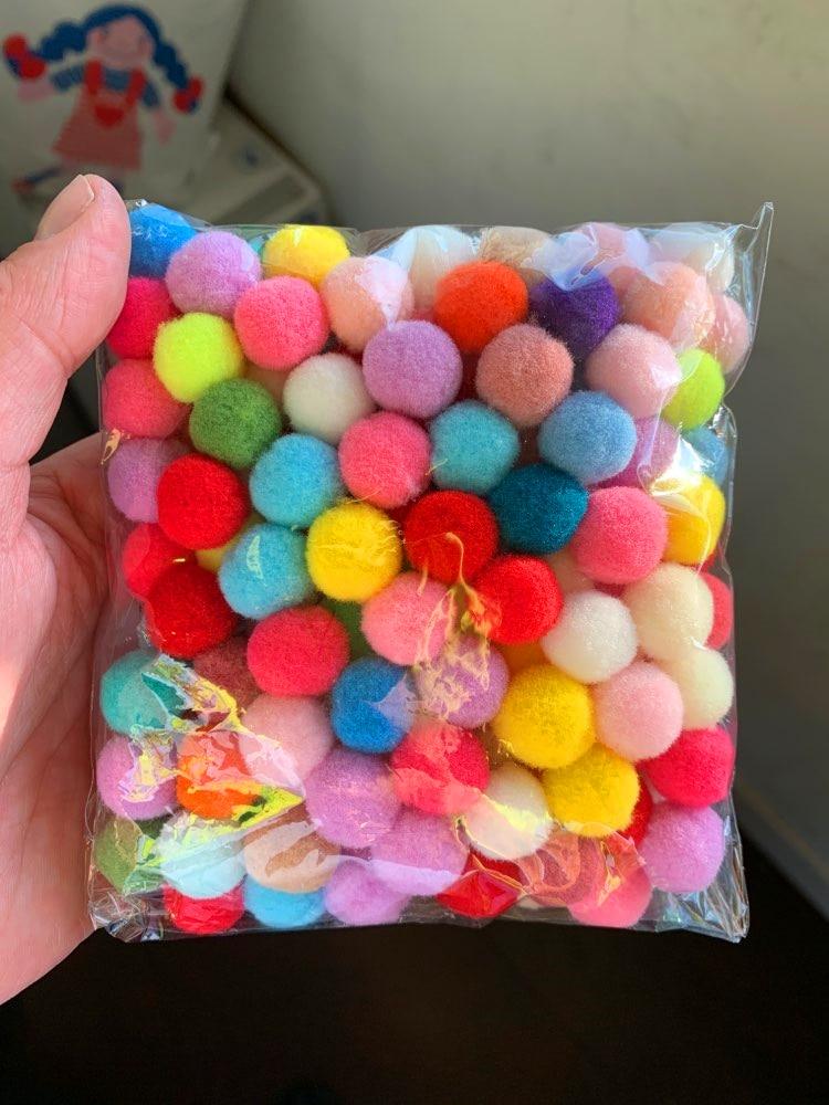 100Pcs Christmas Balls Plush Balls Handmade Fluffy Soft Pompom Balls DIY Kids Toys Wedding Decor Pom Poms Felt Ball Sewing Craft