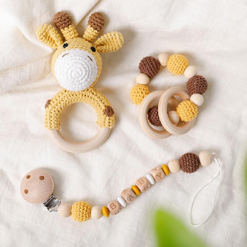 1Pc Baby Wooden Rattles Plush Crochet Giraffe Animal Music Bell Personalized Pacifier Chain Clip Teething Bracelets Newborn Toys
