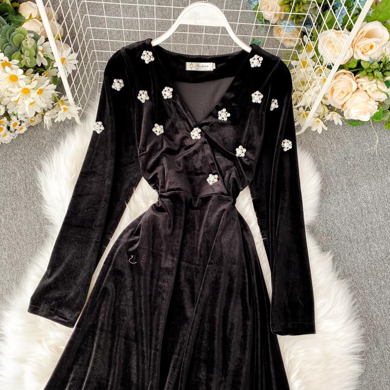 2019 new fashion women's clothing V-neck velvet dress autumn and winter dress women 11