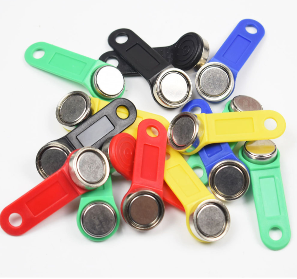 100pcs/lot TM1990A-F5 Keys DS1990A-F5 Ibutton With Iron Ring TM Key Card Dallas TM1990A Magnetic Keys