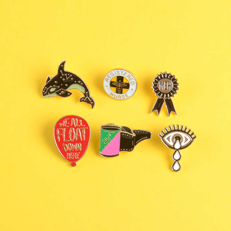 บอลลูนสีแดง pin Stephen King's IT เคลือบ pins เข็มกลัดเราทั้งหมด float down here Lapel pin badge เสื้อหนังกระเป๋าเครื่องประดับแฟนของขวัญ
