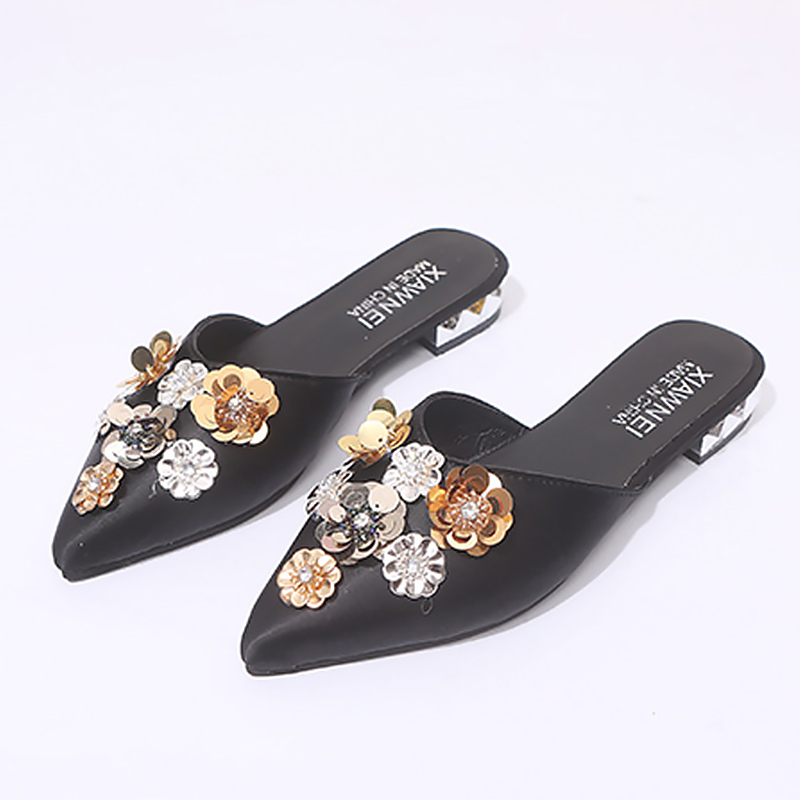 Women Red Sandals Rhinstone Flower Beautiful Wedding sandal Woman Retro Pointed Toe Low Heel Shoes For Women