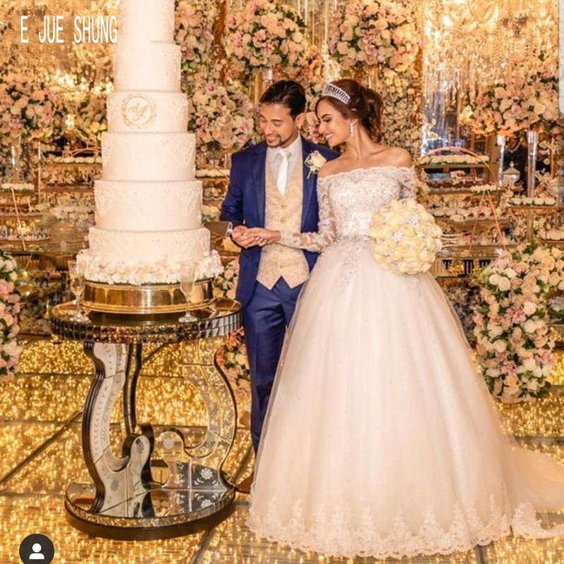 E JUE SHUNG Gorgeous Long Sleeve Wedding Dresses Boat Neck Beaded Lace Up Back Appliques Bride Dresses  A Line Robe De Mariee