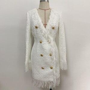 Image 2 - ハイストリート 2020 スタイリッシュなデザイナードレス女性の V ネックダブルブレストライオンボタン房ツイードドレス