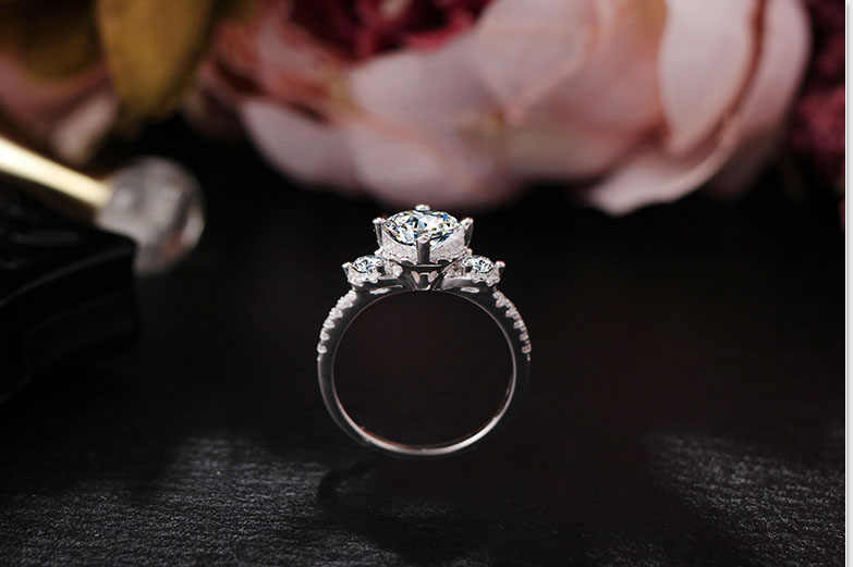 Similar To Moissanite Ring Female 2 Carats Three Stone Trendy White Cubic Zirconia Rings For Women Bridal Silver colors Jewelry