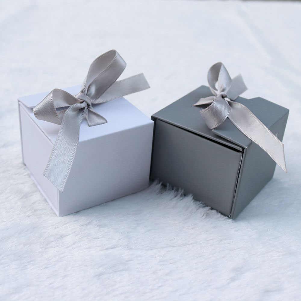 علب للمجوهرات ورقة رمادي أبيض اللون الشريط Bowknot للهدايا الحاضر حلقة القرط التعبئة والتغليف عرض الإكسسوارات 1 قطعة