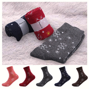 Image 2 - 5 Pairs/Lot Wool Socks Women Winter Snow Flower Pattern Cashmere Warm Socks Ladies Girls Christmas Gift