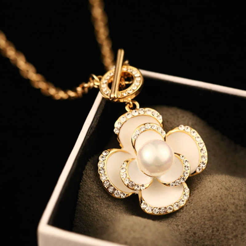 Nuovi Fiori Famosi di Lusso Del Progettista di Marca di Modo Dei Monili di Fascino Collana di Perle Per Le Donne