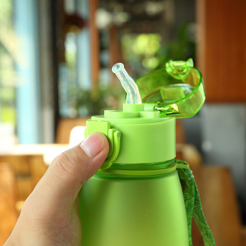 300ml Cute Kids Water Bottles with Straw bpa free Outdoor Children Bottle Children Kettle School Sports Bottle