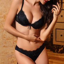 Lilymoda נשים סקסי יוקרה הלבשה תחתונה סט ריסים תחרה חזיית תחתוני סטי תחתונים ללא תפר לדחוף למעלה שחור אדום חזייה
