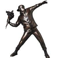 Harz figur England Street Art Banksy Blume Bomber skulptur statue Bomber polystone Figure sammeln kunst spielzeug-in Statuen & Skulpturen aus Heim und Garten bei