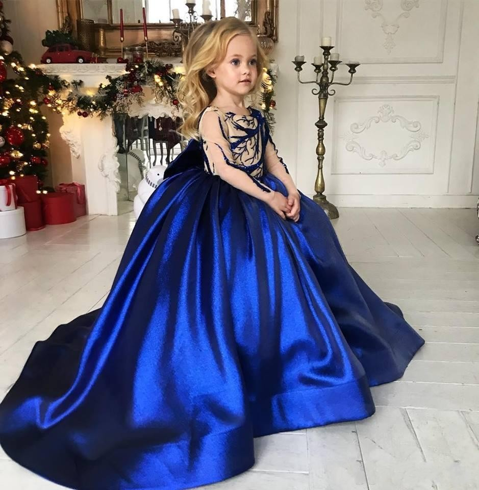 New Royal Blue Girls Pageant Dresses Sheer Long Sleeves Lace Applique Satin Bow Back Ball Gown Flower Girls Dresses 2020 Winter