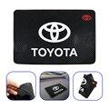 1 шт., проданы нащего завода Авто приборной панели телефона Противоскользящий коврик для Toyota Chr rav4 Yaris hilux prius avensis Corolla Стайлинг для автомобиля...