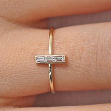 Женское Обручальное кольцо с квадратным фианитом розовое золото