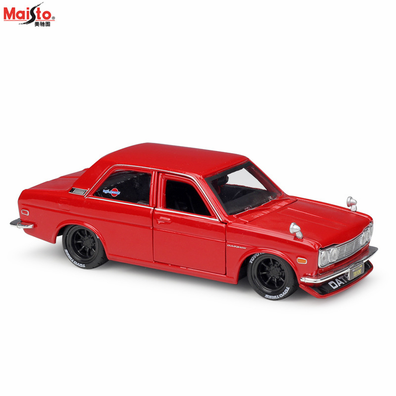 Maisto 1:24 Modified car 1971 Datsun 510 Assembled simulation alloy car model crafts decoration collection toy tools