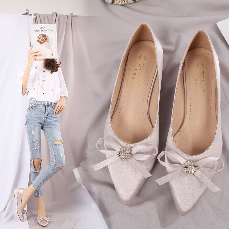 Small 3233 Autumn Low-Cut Fat Feet Bow Chunky-Heel Silk Fabrics Chunky Heel Pointed Shoes Women's Large Size WOMEN'S Shoes 4243
