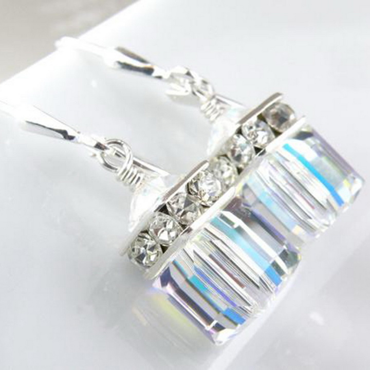 M048-4 earrings