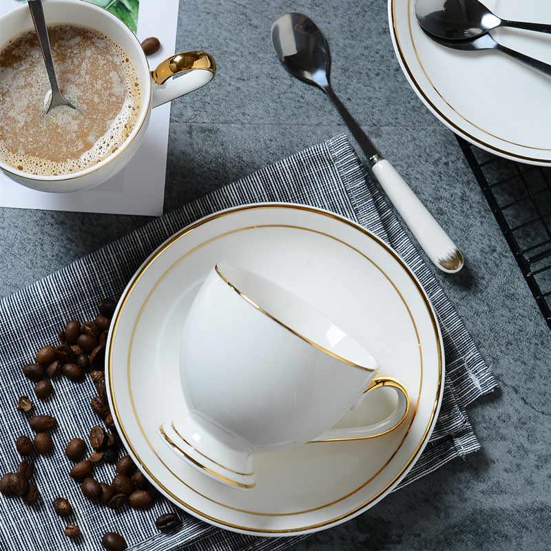 Emas Dicat Tulang Cina Cangkir Kopi Saucer Sendok Set 200 Ml Keramik Cangkir Teh Bermutu Tinggi Porselen Cangkir Air Minum DROP Pengiriman