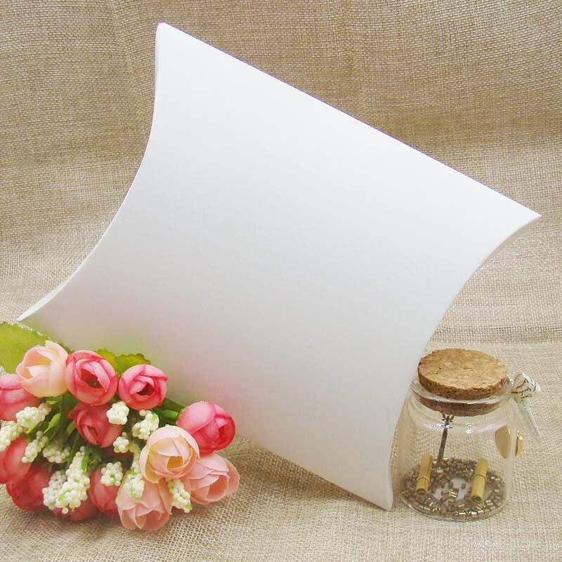 Boîtes de cadeau de mariage 500 pièces nouveau Style noir/Kraft/blanc oreiller forme boîte de cadeau de faveur de mariage, fête bonbons boîte festival fournitures