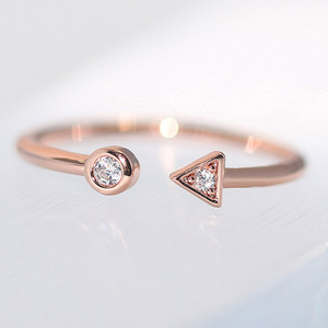 ZHOUYANG Rings For Women Girls Simple Style Geometric Arrow Rose Gold Color Open Finger Ring Daily Gifts Fashion Jewelry R922