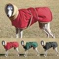 Зимняя Теплая Одежда для собак, водонепроницаемая Толстая куртка для собак, красная, черная куртка для собак с поводком и отверстиями для ср...